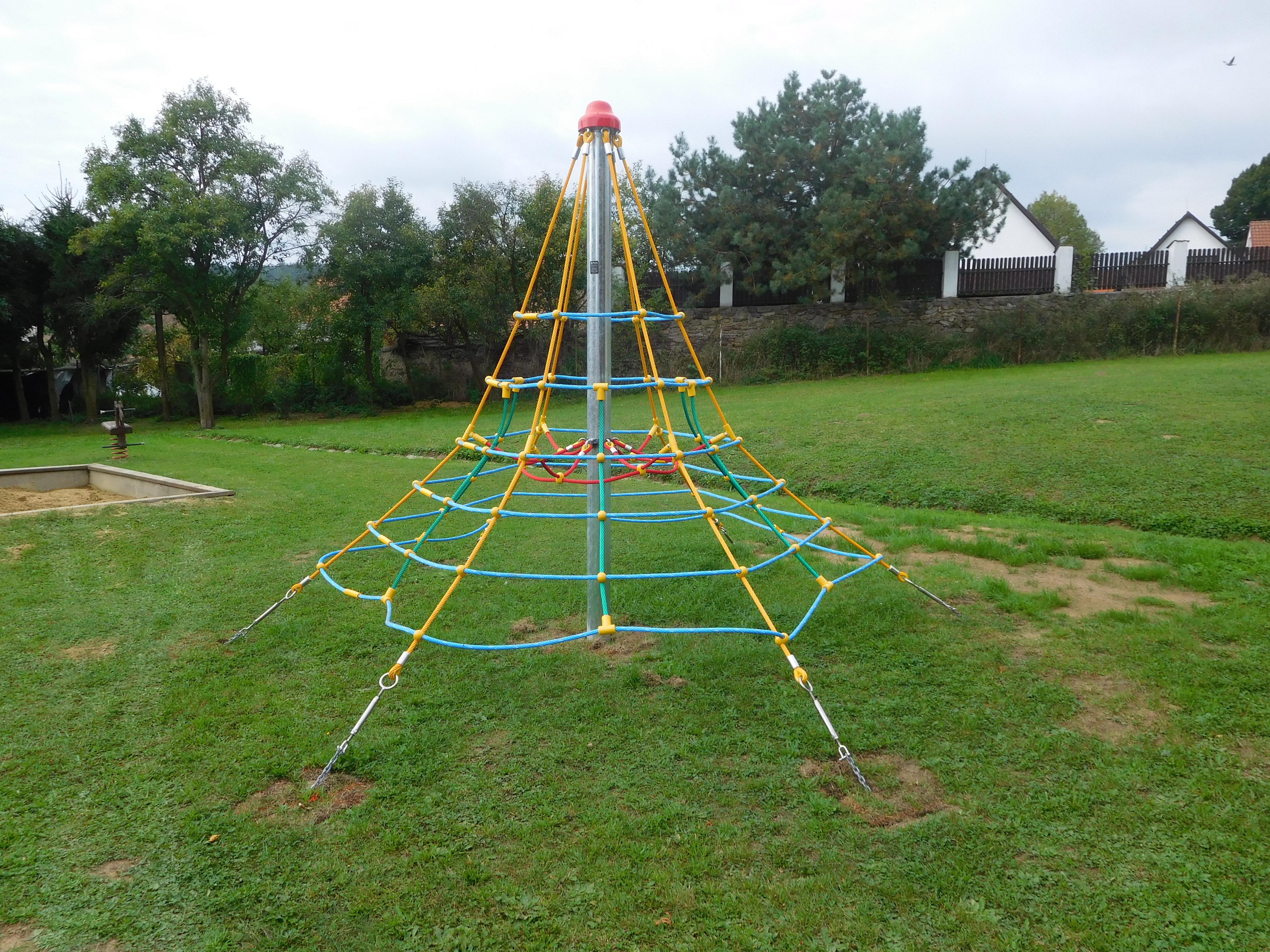 Dětské hřiště Volenice  - herní prvky V MŠ